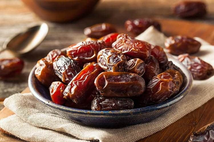 A bowl of dates